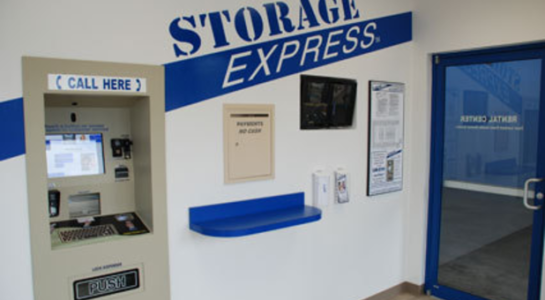 Self-storage service machine