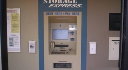 Machine to rent and pay for storage units