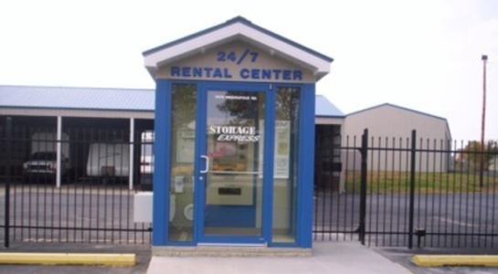 24/7 rental center booth
