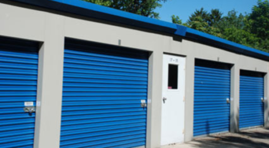 Large storage unit with drive-up access