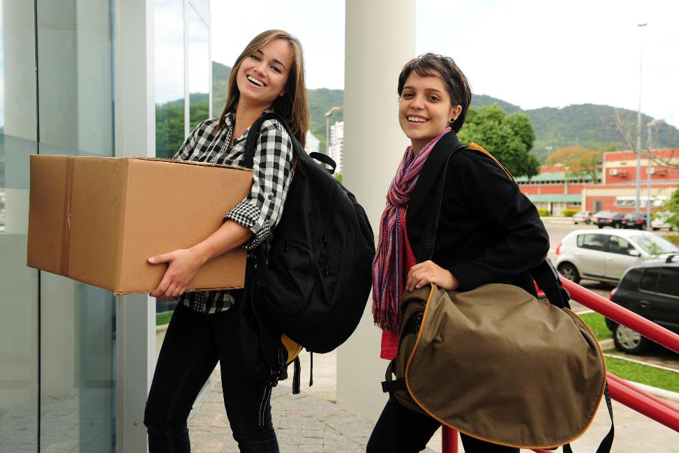 College Students Moving In